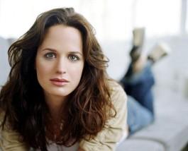 2007-2008: Grey&#39;s Anatomy – <b>Rebecca Pope</b> * 2008: Twilight – Bis(s) zum ... - b1-r_p_224268_12_elizabeth_reaser_article
